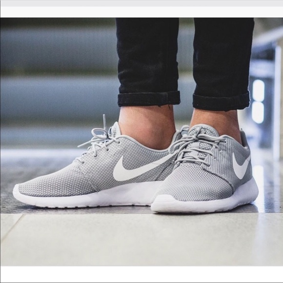 huge discount f5ca8 8acf5 NWT Nike Roshe One Cool grey